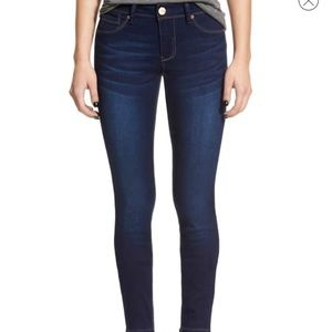 1822 Denim Butter Low Rise Skinny Jeans